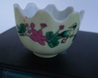 vintage egg cup porcelain petitte