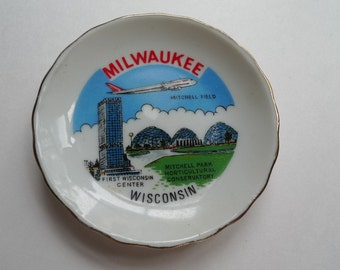 beer lover milwaukee wisconsin vintage souvenir tiny plate 1960s