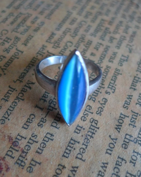 vintage blue  ring  moonglow stone sterling silver ring 1970s