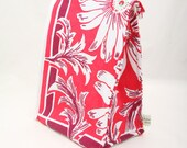 Eco Insulated Red Lunch Bag in Vintage Floral Cotton Fabric by Julie Meyer on Etsy