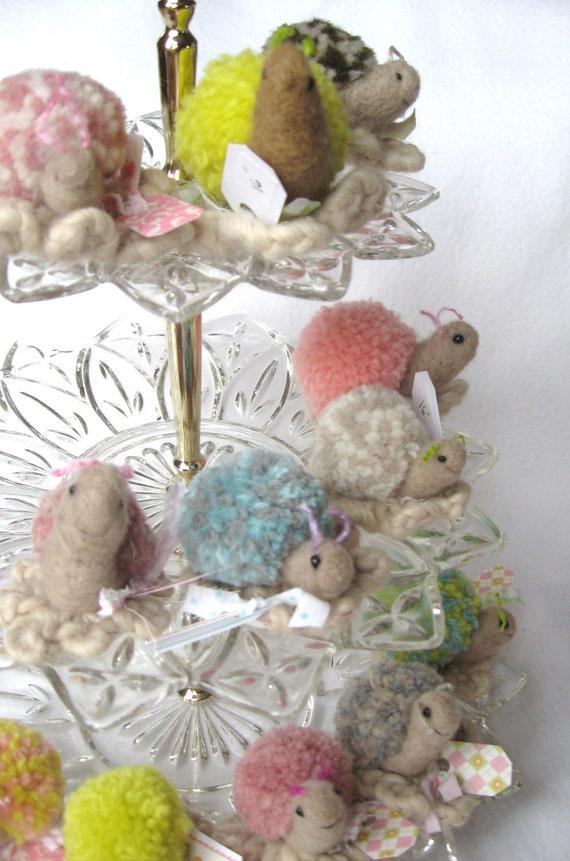 SALE Your Choice CUTE Pom Snail Desk Pet