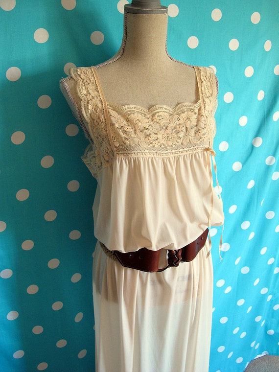 Vintage Peach Scalloped Lace Bust Maxi Nightgown or Dress, Size M, L, XL Plus, Maternity
