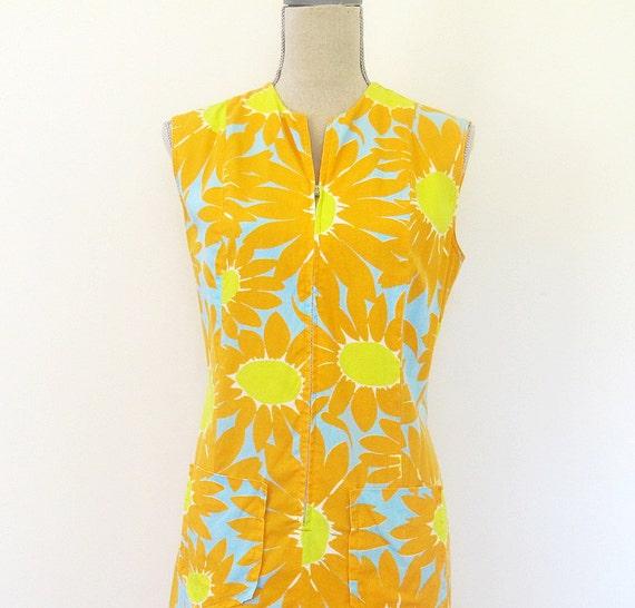 60s VPC Fashions Orange Daisy Scooter Dress, Size M to L