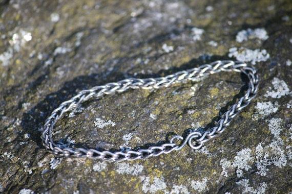 Loop-in-loop Bracelet