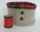 Natural Color \/ Oatmeal Felted Wool Bowl with Red Plaid Flannel Lining