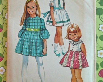 1970s Girls Dress Pattern with Empire Waist- Simplicity 8714