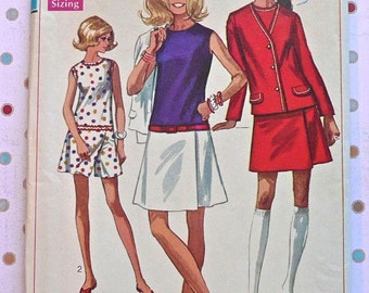 Vintage 1960s Womens Dress Pattern  - Simplicity 8098 - Culotte Style with Jacket