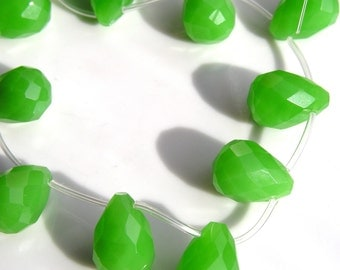 Green Quartz Glass Faceted Briolette Beads  4