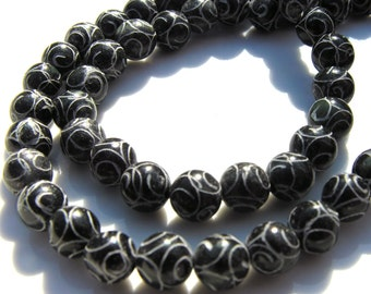 Carved Black Jade 10mm Round Beads    10