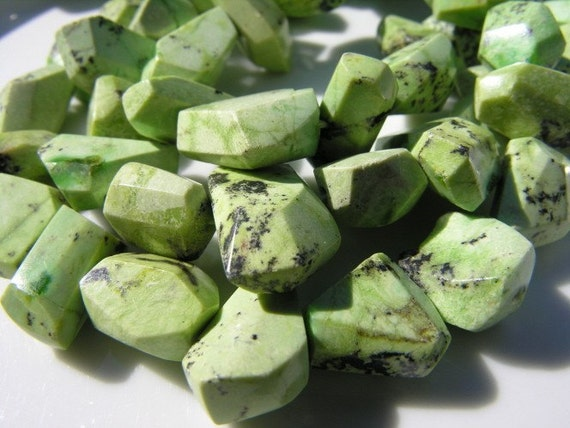 Chrysoprase Nugget Beads  14