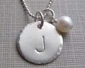 ONE INITIAL charm necklace - Hand stamped initial jewelry / Personalized / a pearl or a birthstone - Bridesmaids Gift (NI004)