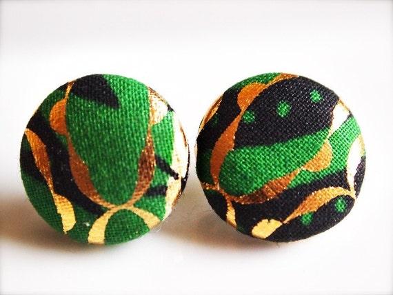 Monarch. Green fabric button earrings (medium)