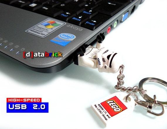 4GB HighSpeed Memory in a original LEGO Figure
