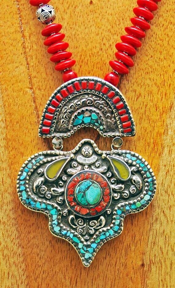 Handsome Nepalese Pendant & Life Spirals