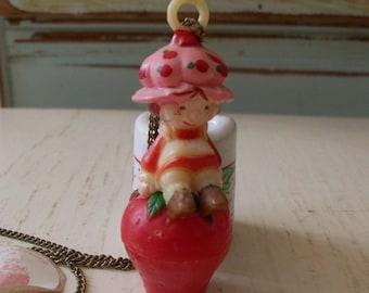 1981 strawberry shortcake necklace