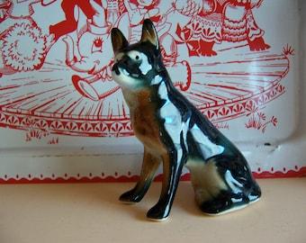 big brown dog figurine