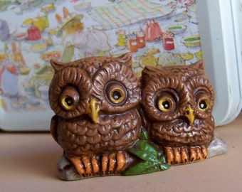 two tiny owls side by side figurine