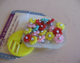 yellow buttons and beads