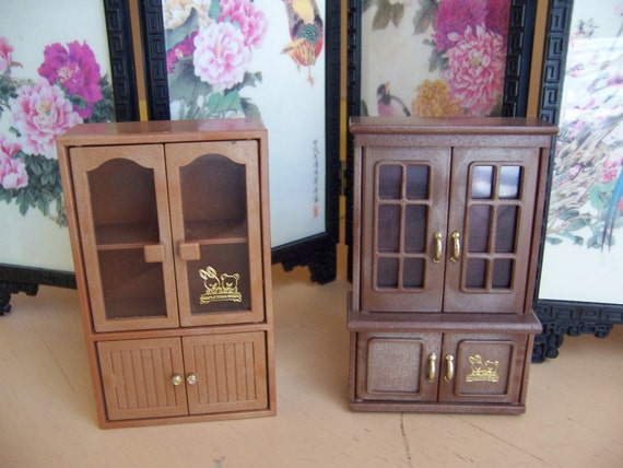 two maple town story toy hutches
