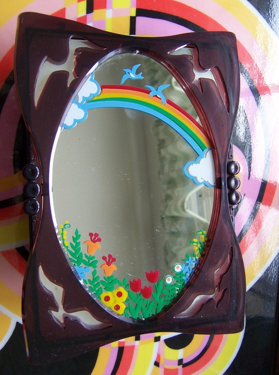 yap's plastic music box with mirror