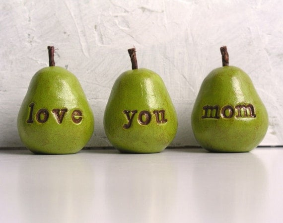Gifts for mom / Christmas gift for her / 3 love you mom pears / gift for women / pears gift / gifts for mothers