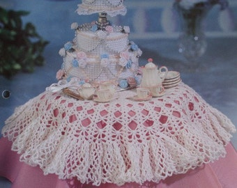 Wedding Cake and Tablecloth Dollhouse and Miniatures Crochet Pattern Accessories and Decor