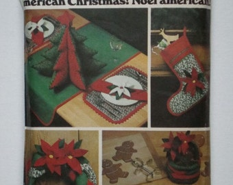 American Christmas Noel Americain Butterick 4012 Pattern - Wreath, Table Runner, Placemats, Basket, Napkins and More