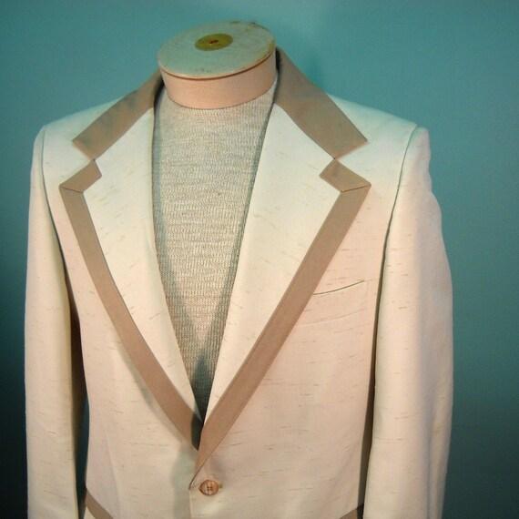 s a l e - - Vintage 1970's Ivory Two-Tone Tuxedo Jacket. - 42 -