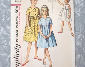 Vintage Sewing Pattern, Girl's Size 8 Dress 1963 UNCUT