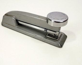 Mid Century Stapler from the 50's, Vail Monarch Stapler, Gray, Chrome, Metal Aluminum Heavyweight Stapler,