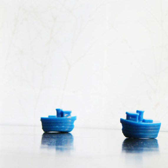 6 Tiny Blue Tugboat Beads