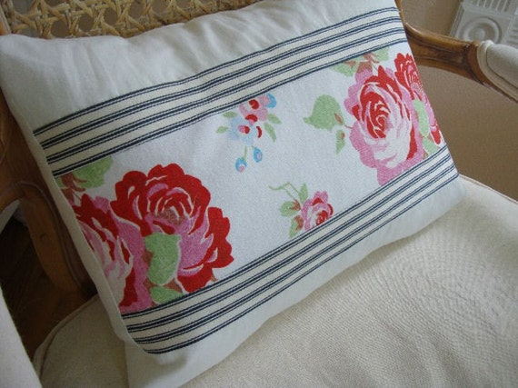 EnGLiSH CoTTaGe ReD RoSE TiCKing SHaBBy ChiC PiLLoW