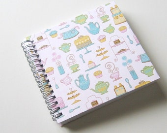Small Coupon Organizer with 14 Pockets - Pre Printed Labels Included - Kitchen Gadgets on Light PInk