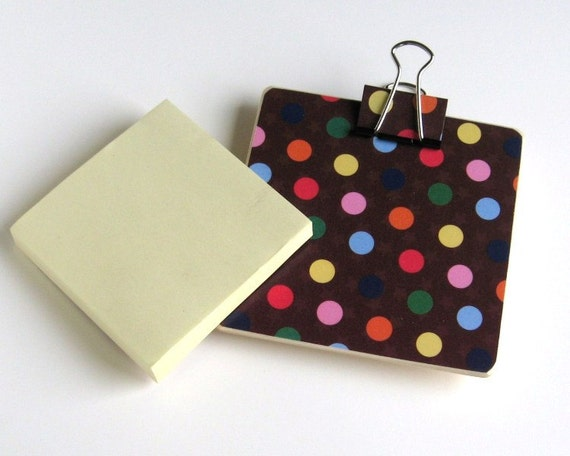 Magnetic Sticky Note Holder - Brown with colorful polka dots