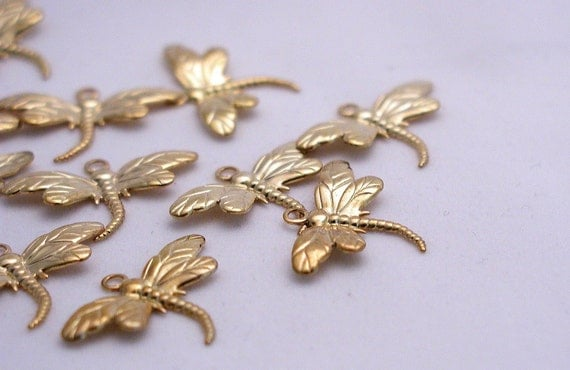 Charm, gold-plated brass, 26x15mm dragonfly Pk 10 (LO2)  0414L