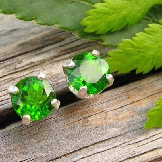 Chrome Diopside Earrings in Gold, Silver, Platinum, or Palladium with Genuine Gems, 4mm - Free Gift Wrapping