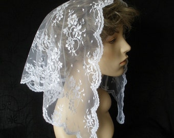 The Trina -- White Lace Mantilla Headcovering with narrow edging