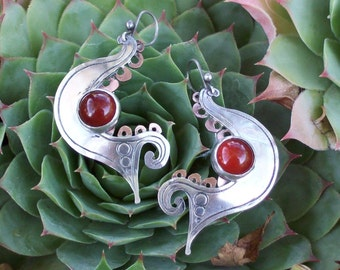 JUMPING FISH - Silver Earrings with stone