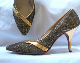 60s Gold Stiletto Shoes with Horseshoes in a 6 and half