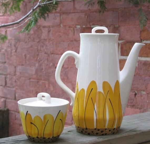 Vintage 60s Vera Sunflower Coffee Pot Island Worcester