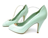Vintage 80s Shoes Leather Mint Green Aqua High Heel Pumps size 7