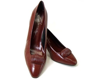 Vintage Shoes New 1980s Burgundy Leather High Heel Pumps size 8 1/2 Spain Unworn Pointy Toe Caressa NOS