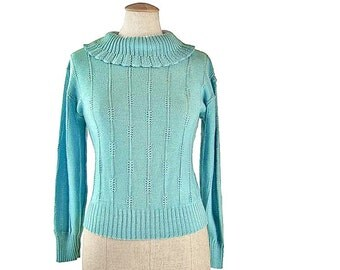 Vintage Pullover Sweater Blue 70s Knit Pointelle Lace Ruffle Scalloped Turtleneck Long Sleeve Ribbed Cuff size Medium Large