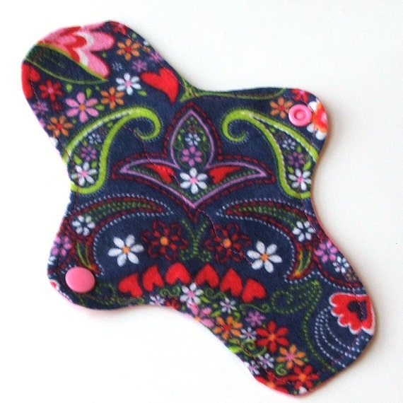 Reusable Cloth ULTRATHIN Pantyliner 8 Inch WeeEssentials Mini Pad with wings for Every Day - Valentines Paisley