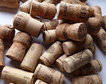 Used wine corks for upcycling - 25