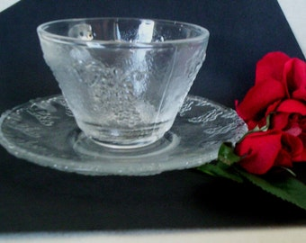 Vintage Glass Tea Coffee set of 4 Grape design coffee cup and saucer tea cups