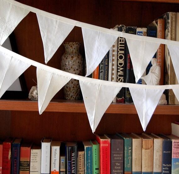 Heirloom Handkerchief flag banner 13 feet long little flags