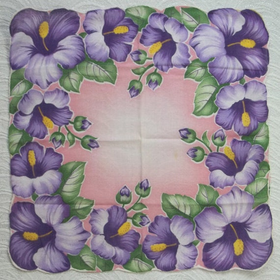 """Floral Hankerchief Hankie....Scalloped Purple HIBISCUS on Pink Background....12"""" sq...1950s"""