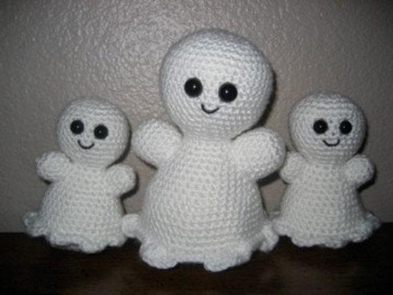 Crochet Amigurumi Ghost : Items similar to Sweet Ghosts Amigurumi Crochet Pattern on ...