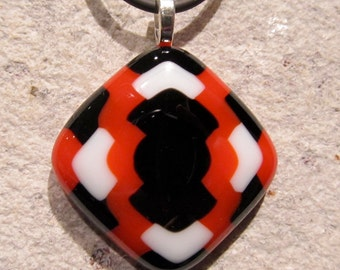 Fused glass pendant: Blazing Weave